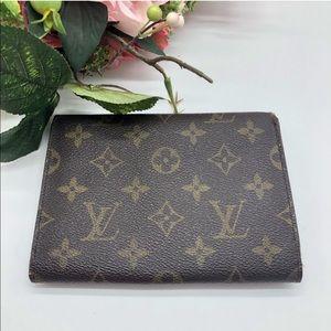 Louis Vuitton Bags - Authentic Louis Vuitton monogram LV snap wallet